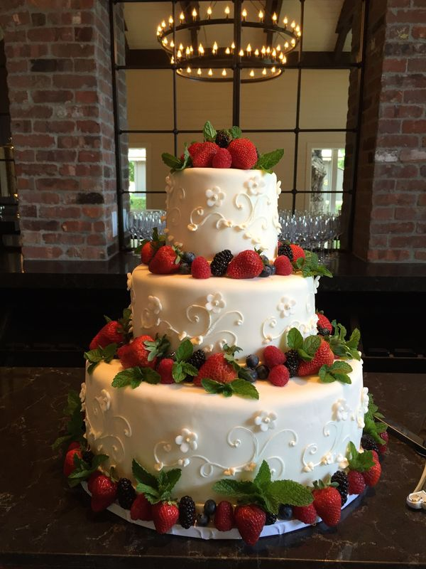 wedding cakes santa barbara california stunning wedding cake by chef christine dahl cooking on 25431