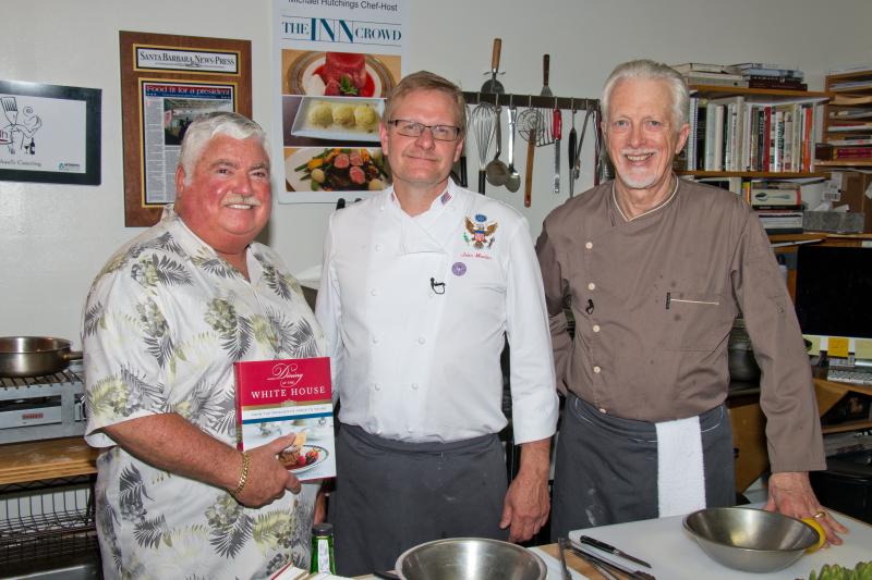 Trio with book kitchen